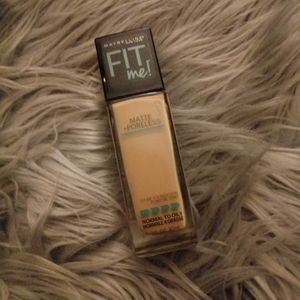 Maybelline Poreless Liquid Foundation